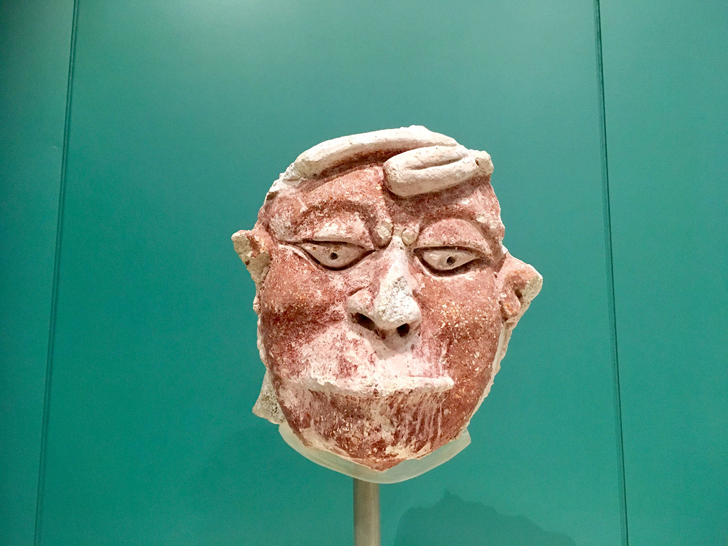 The captive with a stitched mouth (600-850 AD) from Dzibanché.
