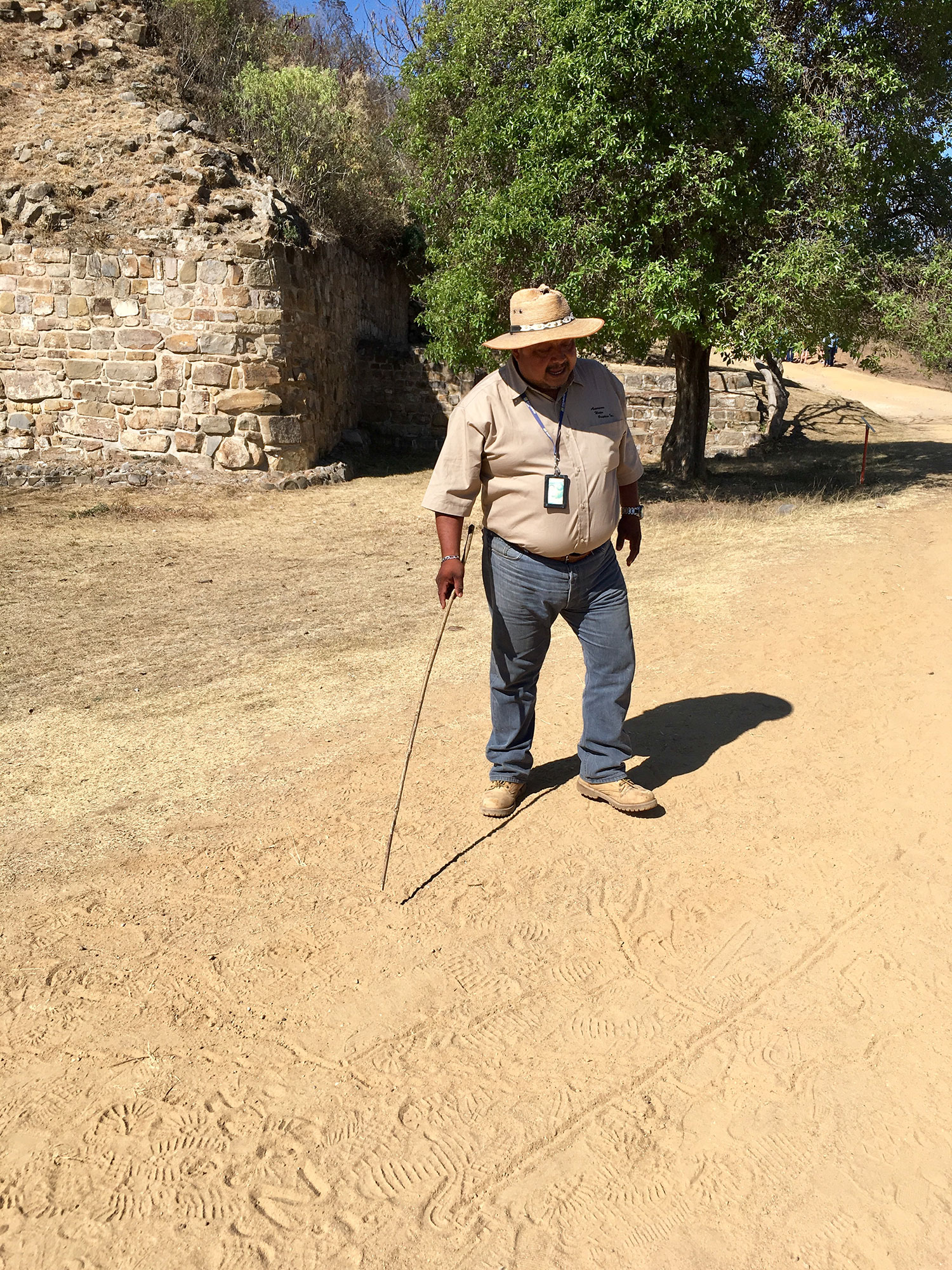Our guide Fernando drawing the map of ancient valley habitation.