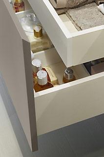 CAJONES DE MADERA  Cajones en madera con separadores interiores o cajas que ordenan el espacio interior.