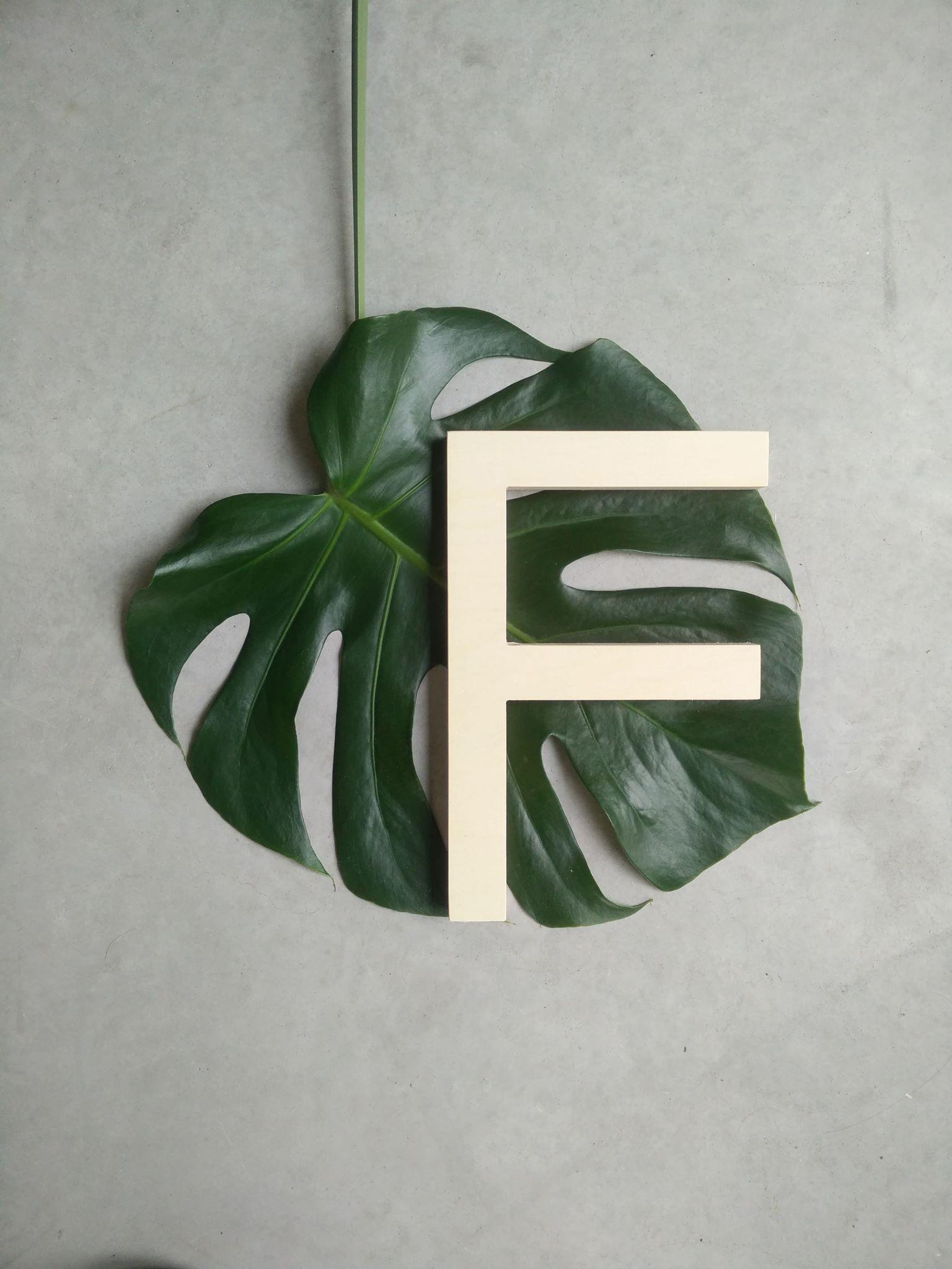F houten letters.jpg