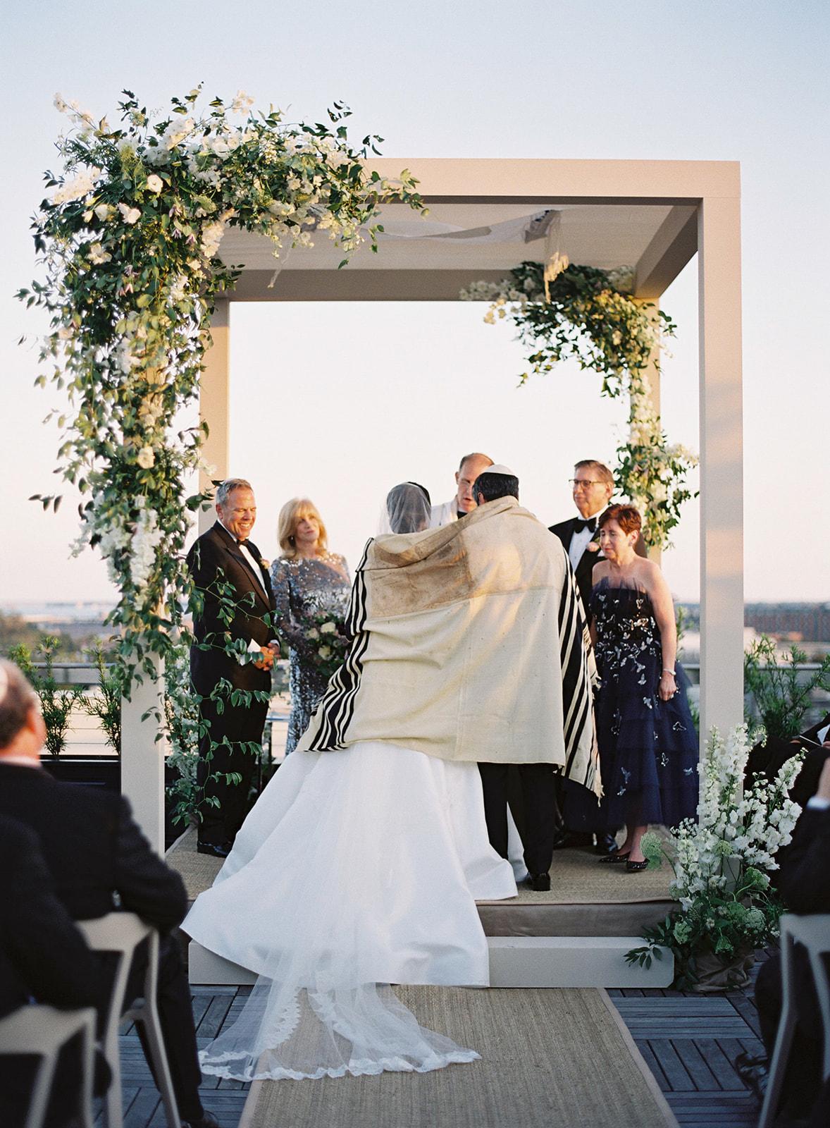 rooftop-wedding-charleston-16.jpg