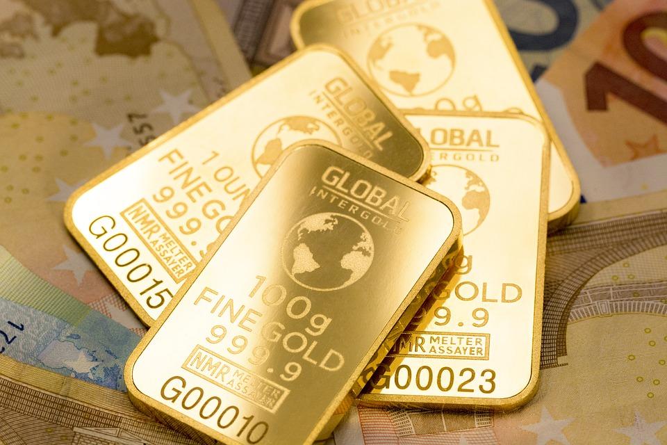 Tidlegare prøvde mange vismenn å lage gull av uedelt metall. Denne kunsten blir kalla alkymi, men ingen lukkast!
