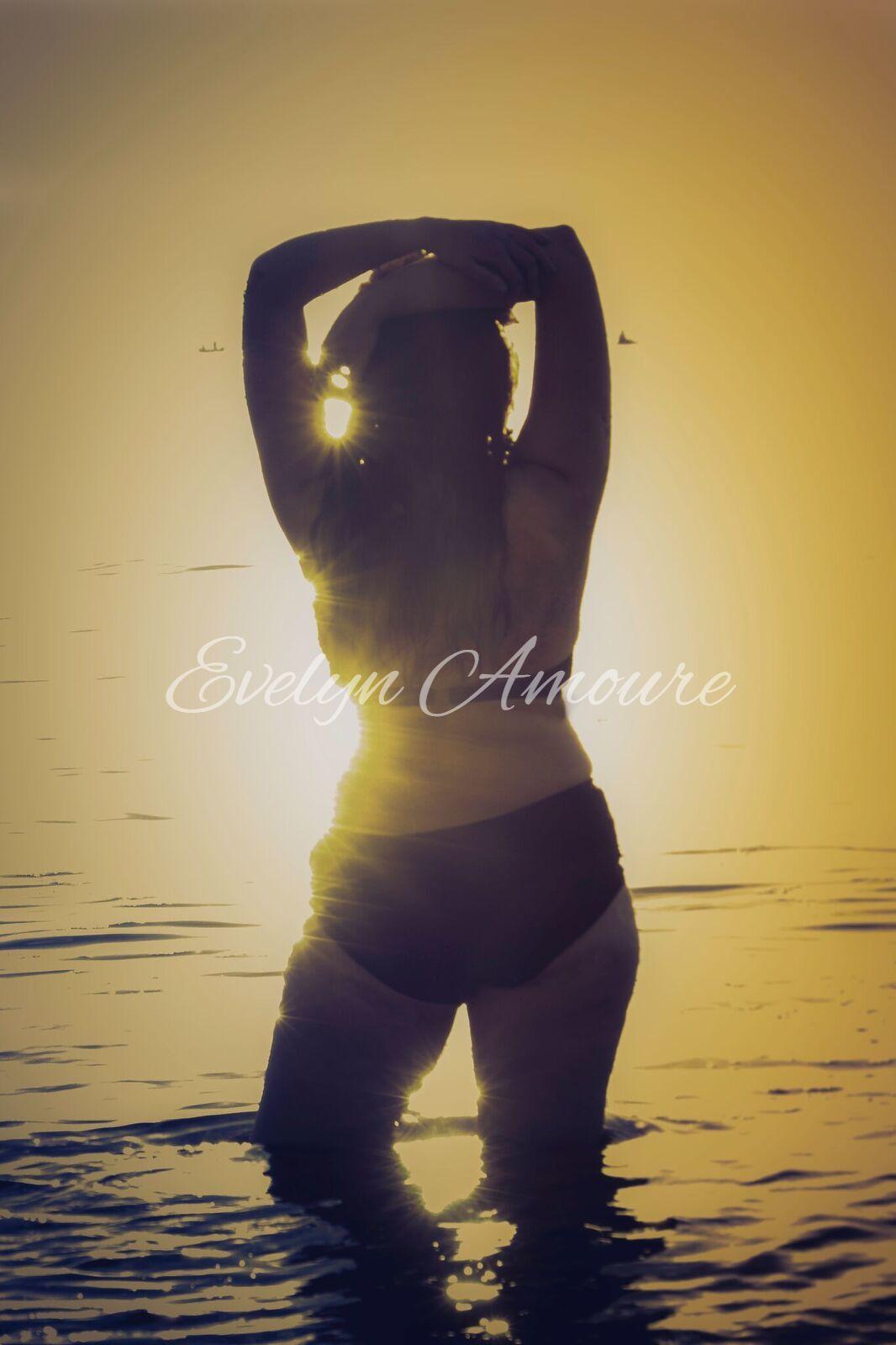 Evelyn Amoure 8.jpg