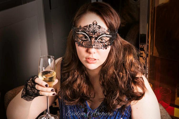 Evelyn Amoure Intimate Photoshoot (1).jpg