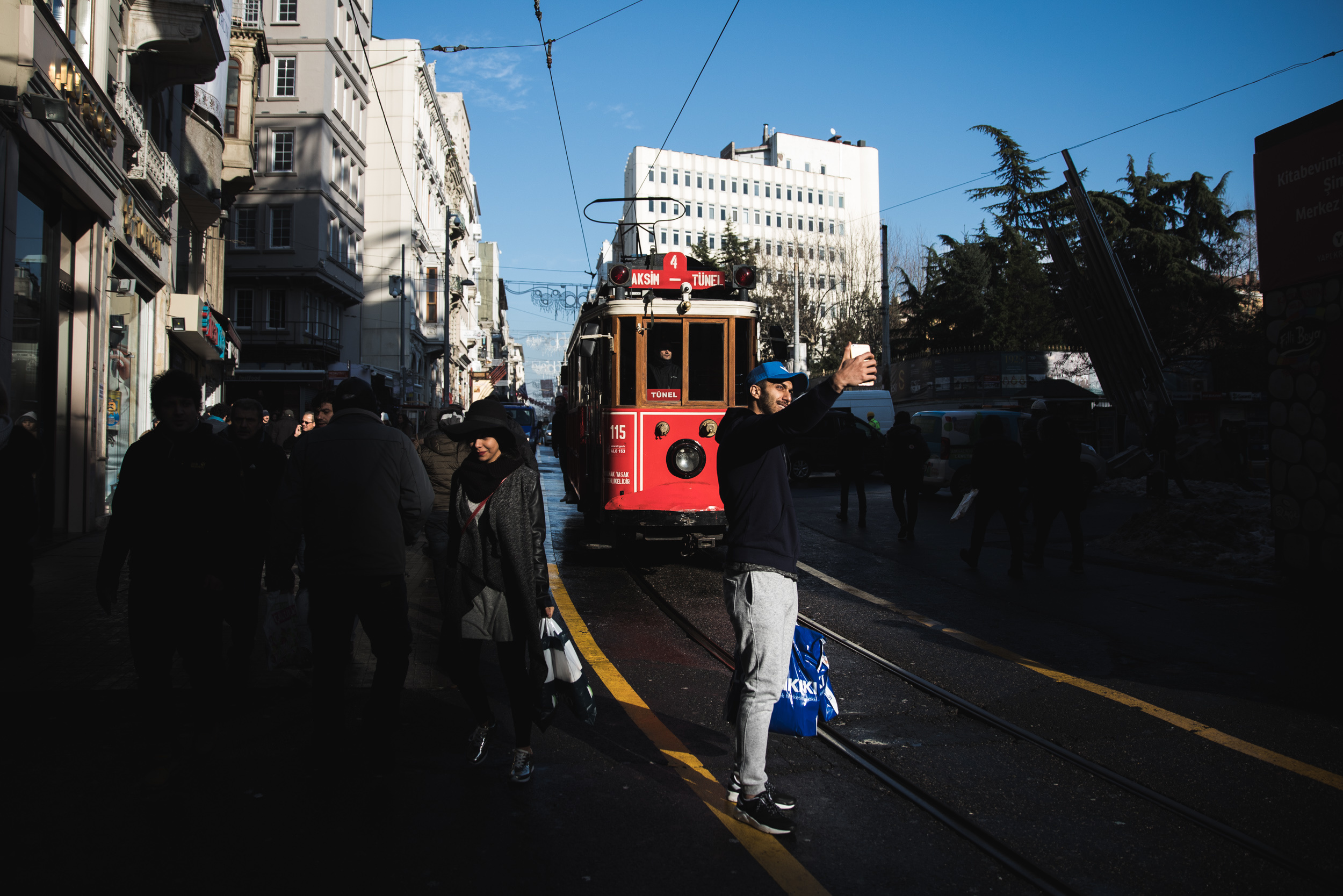 Istanbul_Snow_Rob_Pinney_05.jpg