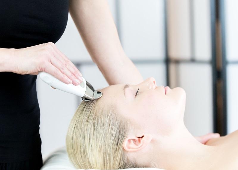 massage kropp ansikte hudvård lmassageochkroppsvard.se L massage & kroppsvård med Lena Rask Bönarp Valinge Varberg fotograf Fröken Foto frokenfoto  (77)800.jpg