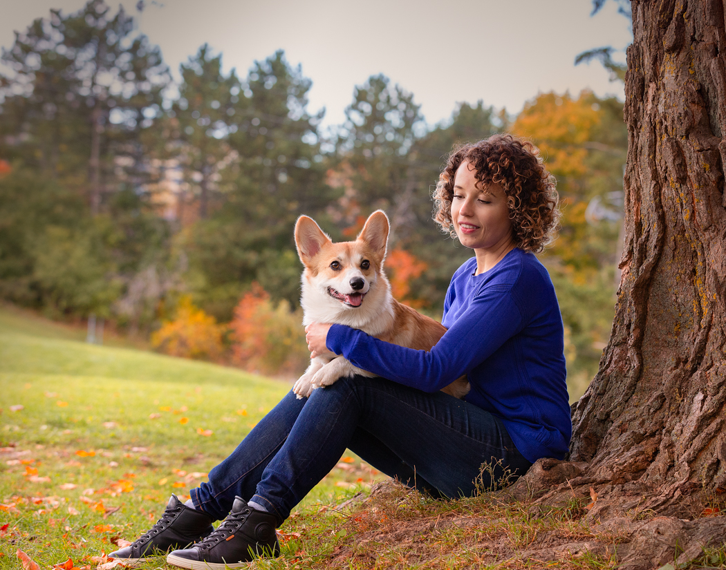 Lady-and-Corgi-Toronto-dog-photo-shoot