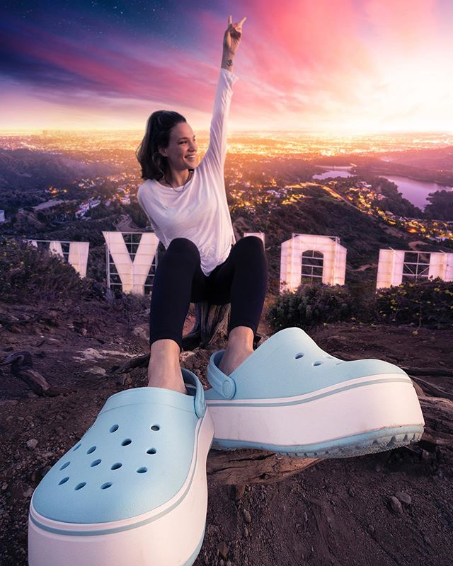 Feeling larger than life and on top of the world! 🌎  This collaboration with @crocs has a lot of meaning for me because I haven't been up to the Hollywood sign since I moved to Los Angeles almost 6 years ago. Looking out over LA has a whole different meaning for me now than when I first arrived.  I look out over the city and see the friends I've made, the various jobs I've had, the spot that I met my husband, the place's we've all partied, laughed, and cried over the years, the business that I created for myself, and I see all of our memories of good times and bad times and the things that have made me who I am today. #ad #PlatformCrocs