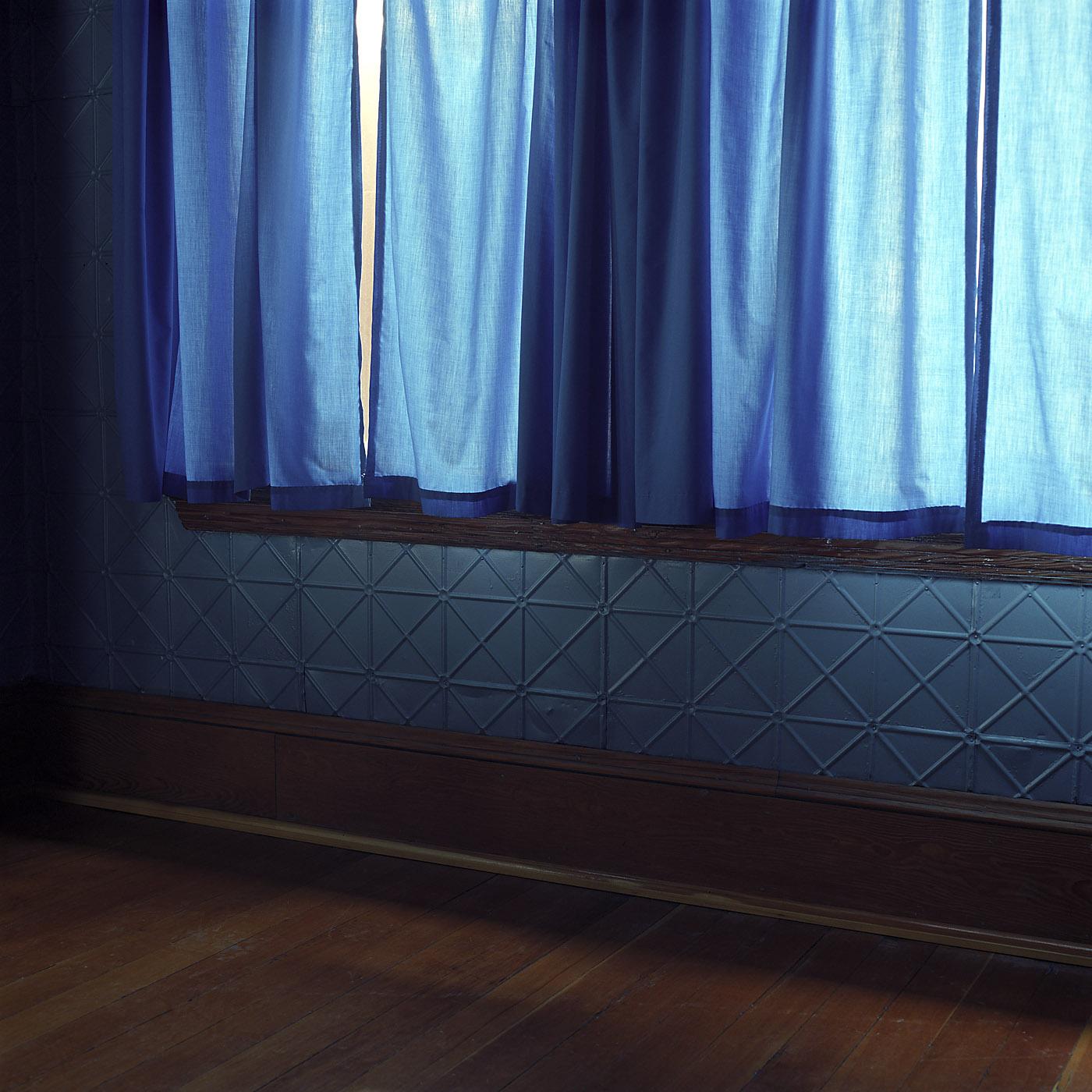 Curtain_v01.jpg