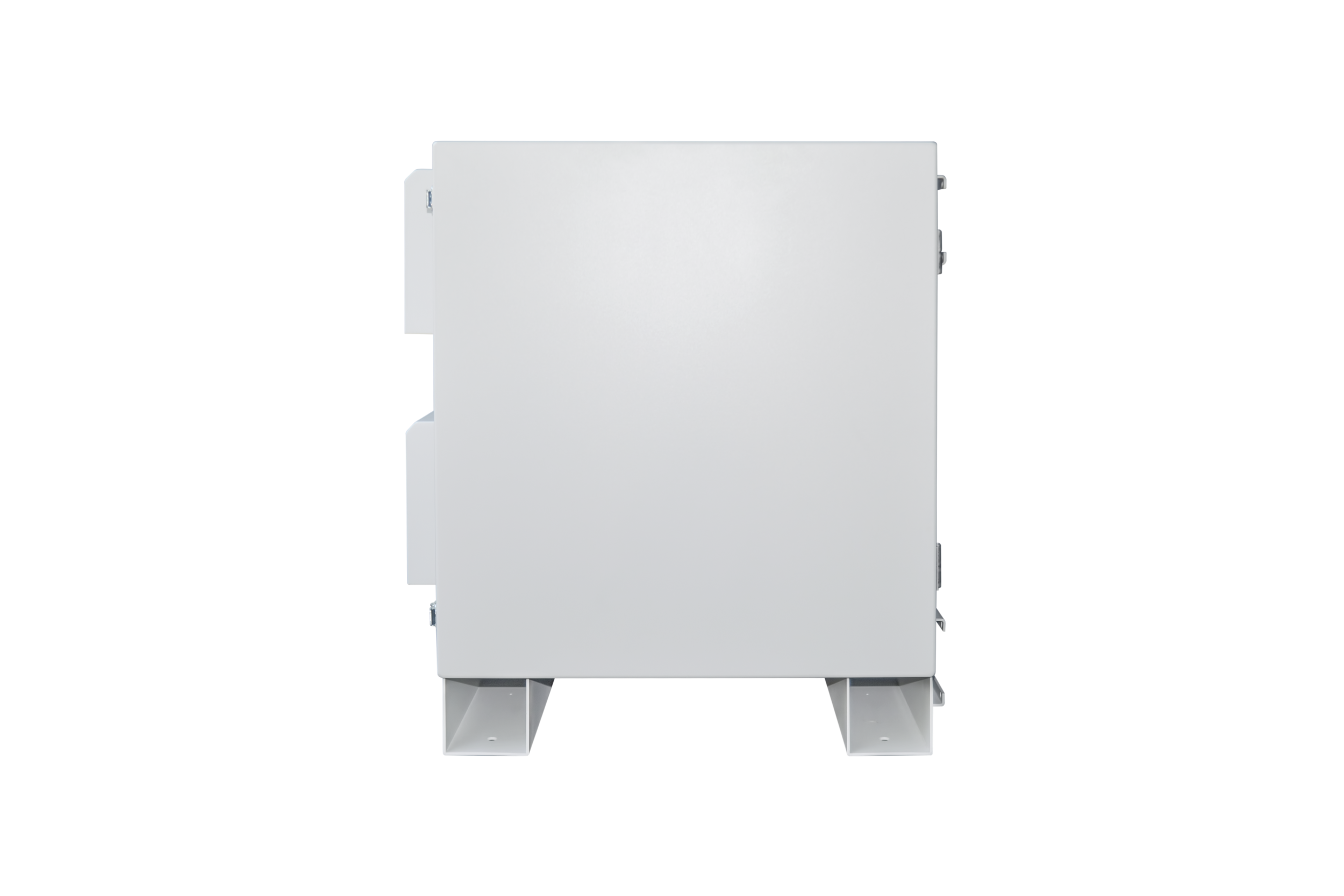 Keeping one side of the enclosure completely flush ensures you're able to place your IOIOBox up against a building or existing installations, without hindering its performance or function.