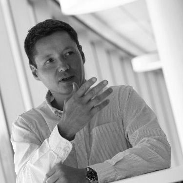 Andre Frey - Design manager and former designer at Mercedes Benz, that has worked on projects like Private Jet interiors and ultra luxury Maybach cars. He shared his twenty plus years of experience with the team, to achieve the levels of perfection expected from a high-end product.