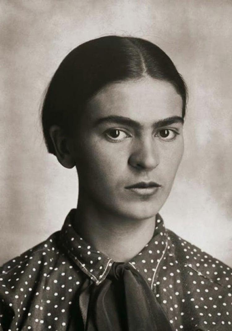 rare-frida-kahlo-photographs-1.jpg