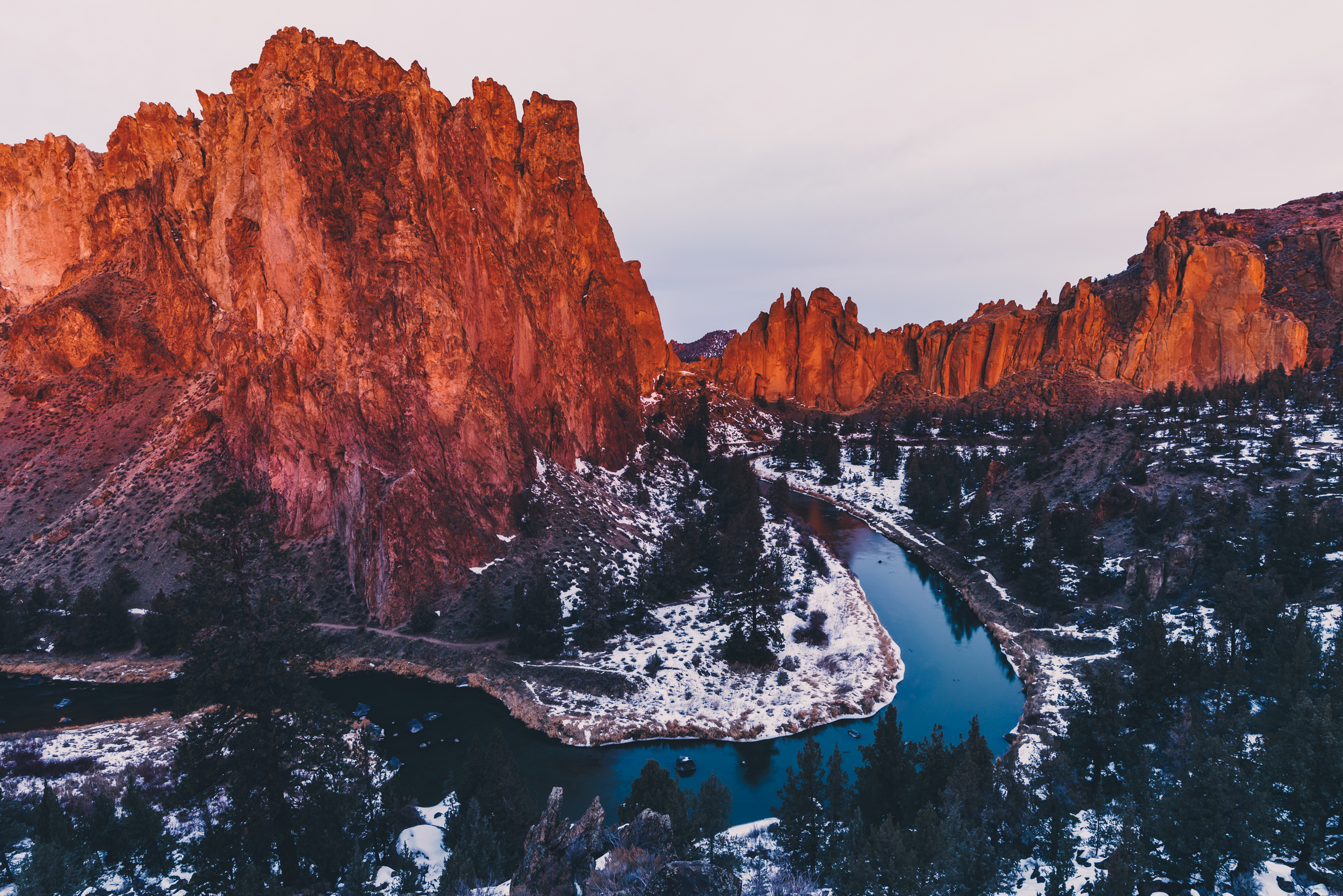 Smith-Rock-Crooked-River-Alpenglow-Steve-Aliberti.jpg