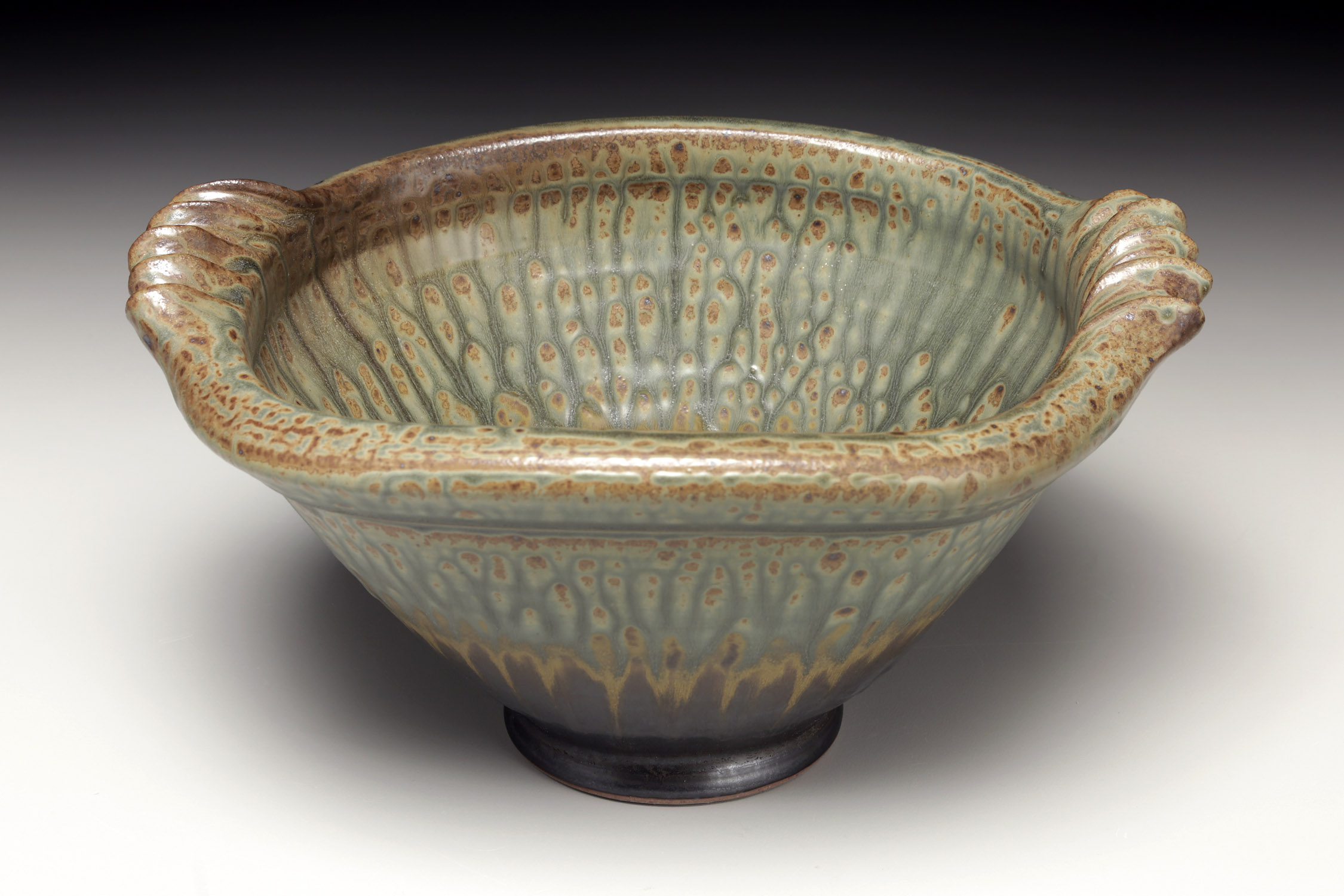 Hollow Rim Handled Bowl