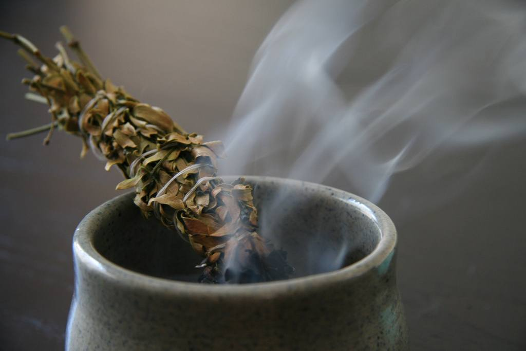 Spring Clean With Sage - After spring cleaning, you'll need to sage your entire home to seal the deal. It'll allow the chi to flow freely so there won't be any stagnant energy.Then, light a white candle and speak something positive into existence!
