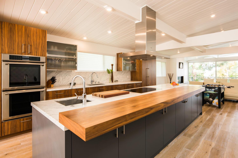 3535 Mountain View Ave Mar-large-006-14-Kitchen-1499x1000-72dpi.jpg