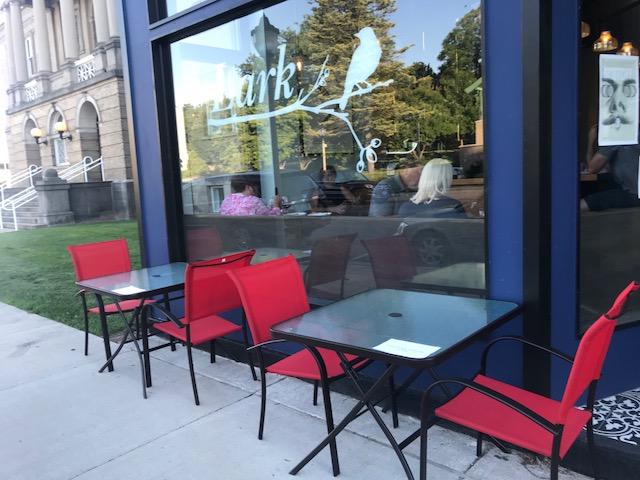 Sidewalk seating.jpg
