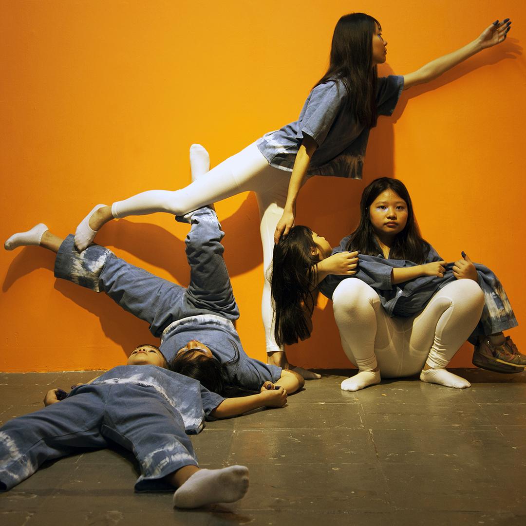 7 Holman Sophont in Action Hong Kong.jpg