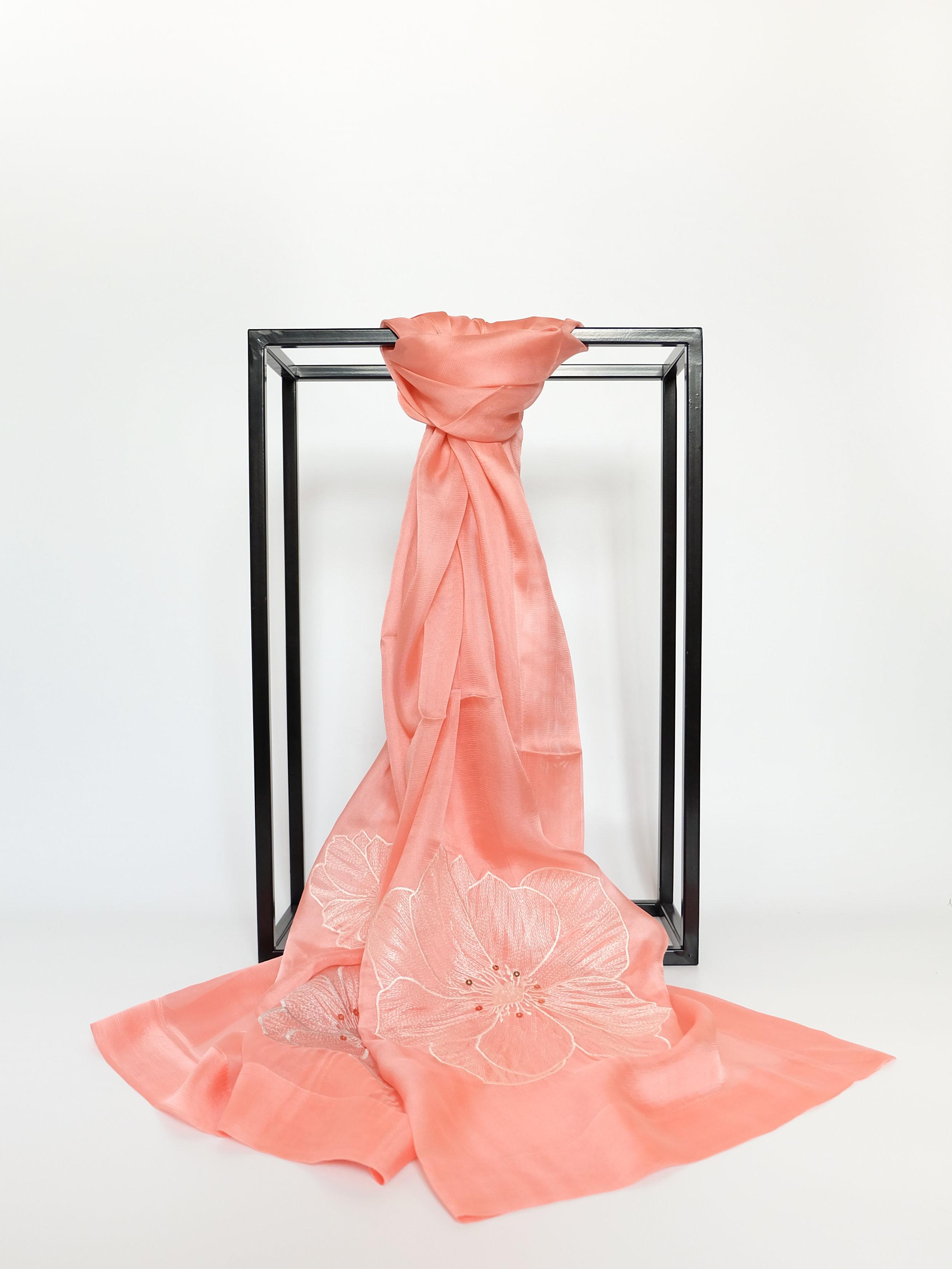 Blooming Lotus (Pink) - 175x55cm