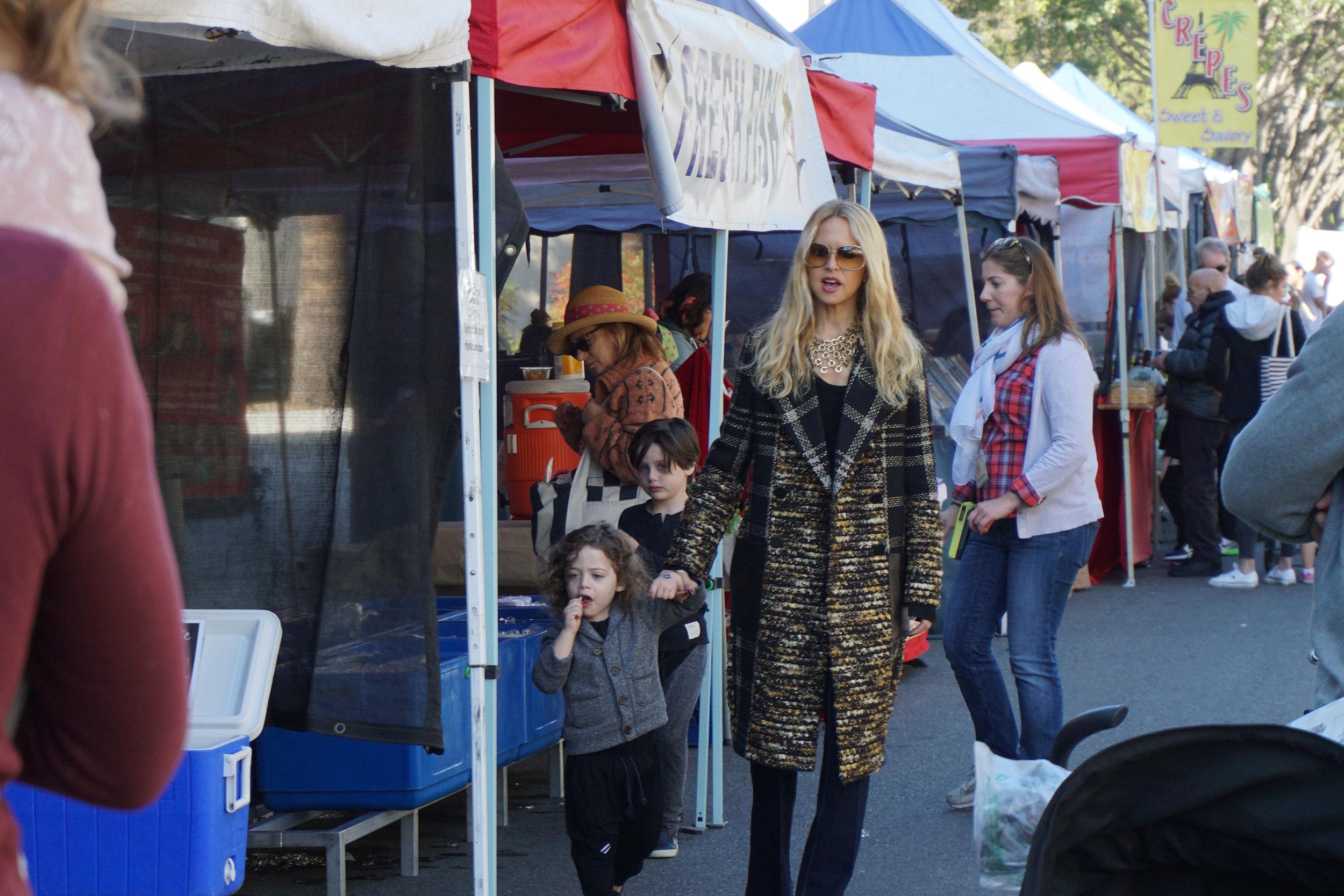 Source:  Lisa Raciti  // Rachel Zoe browsing the Beverly Hills Farmers' Market
