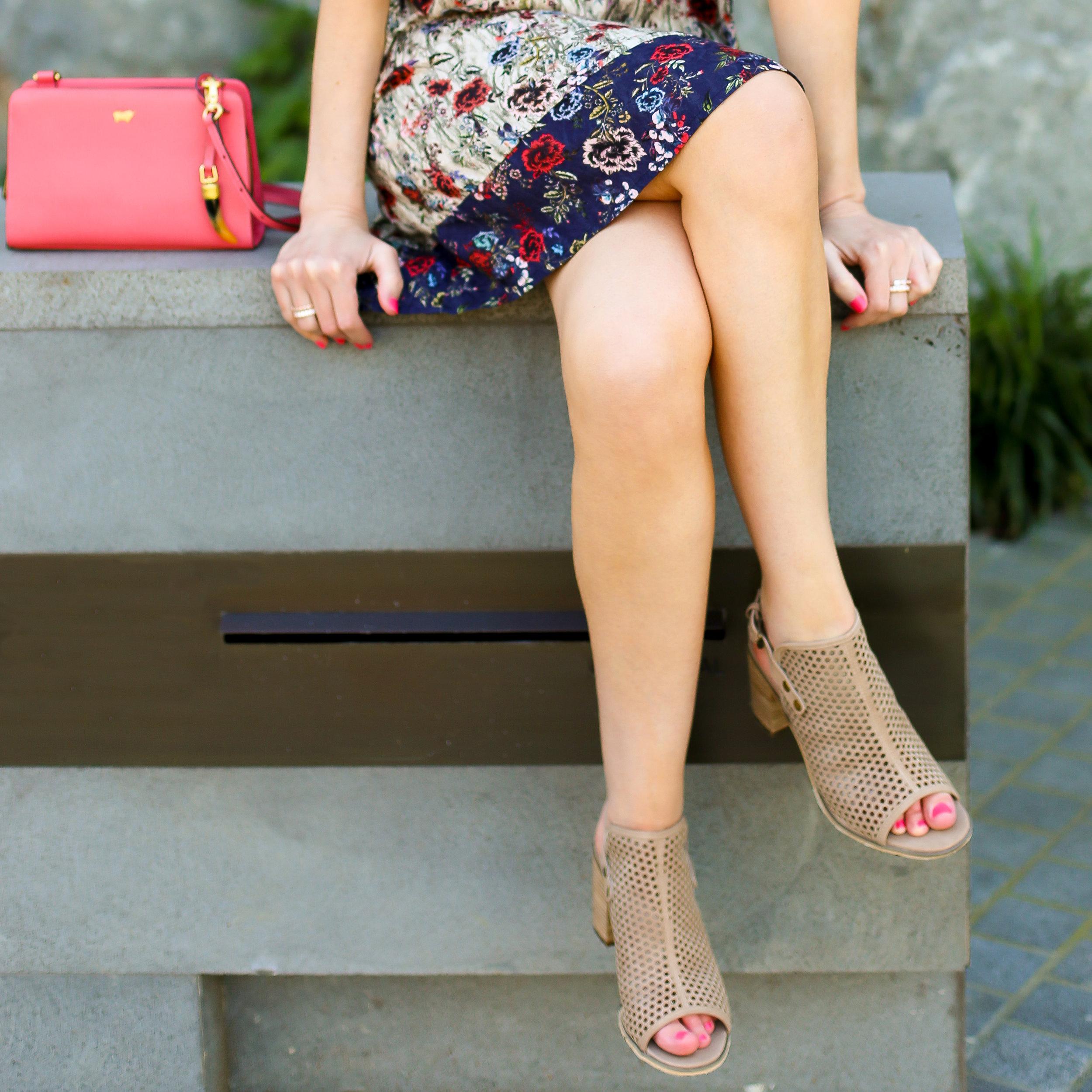 Lisa wears -  shoes  by  Mollini