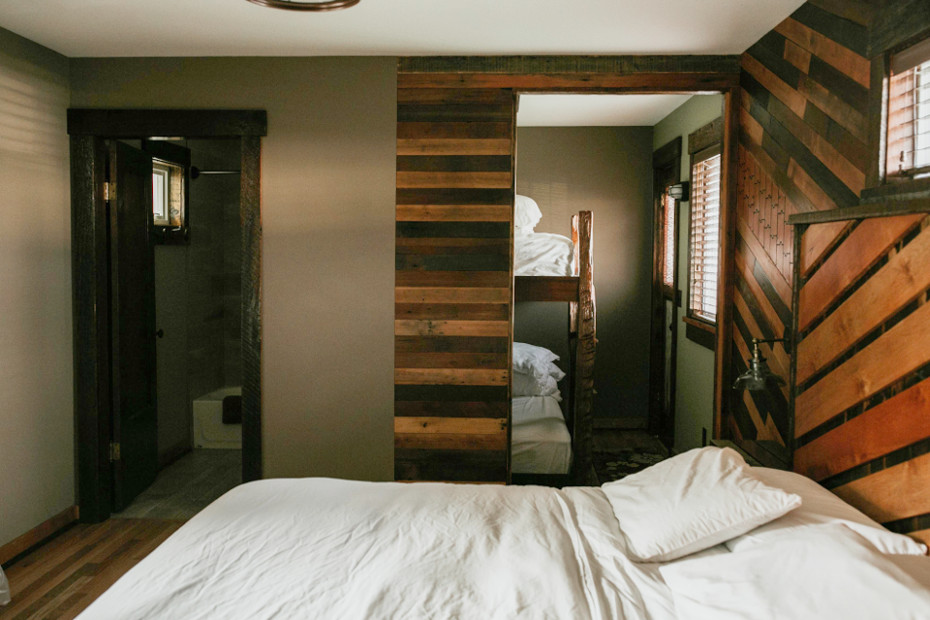 Cabin 7 - King Sized Bed, 2 Bunks