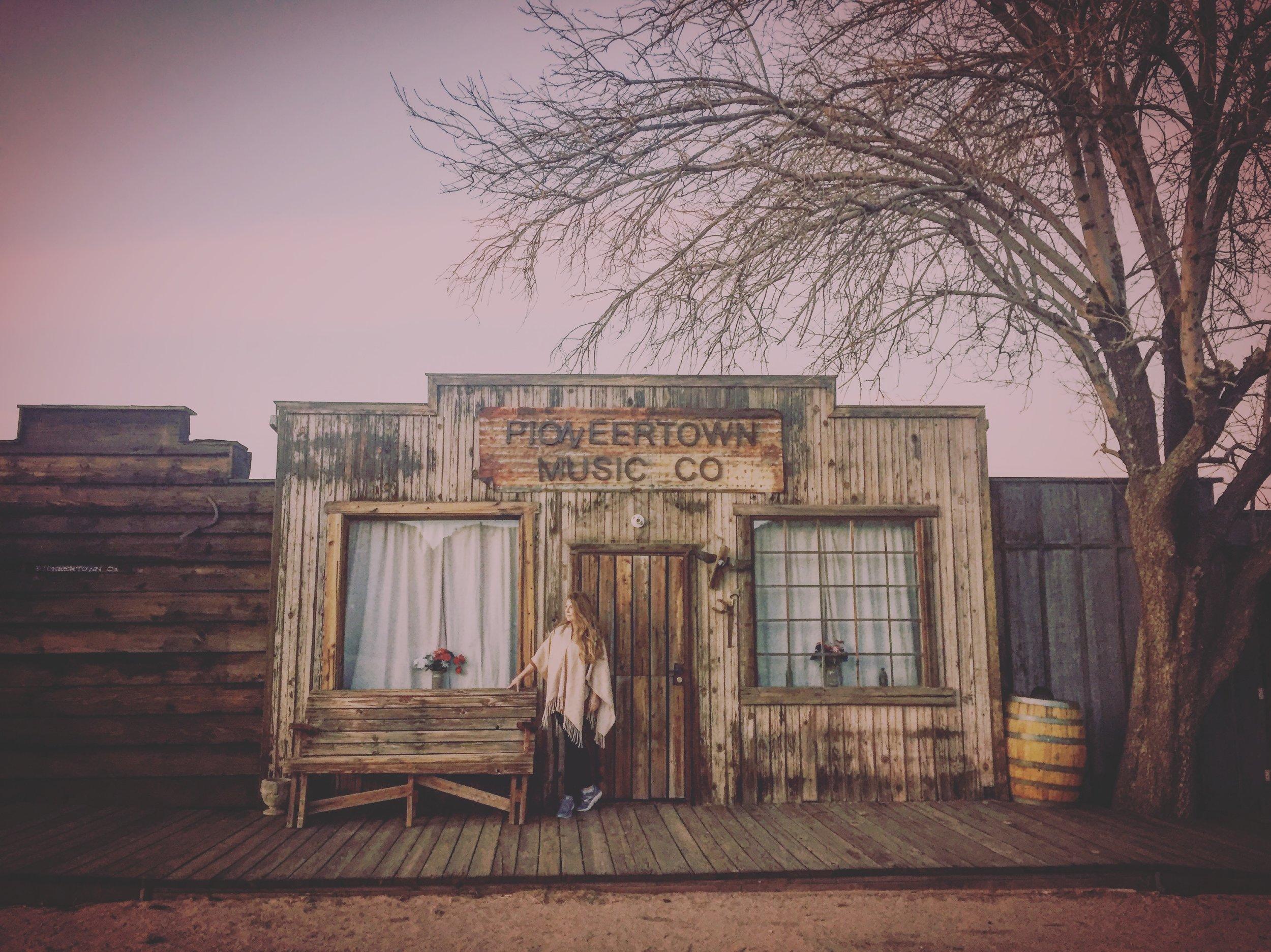 pioneer town.JPG