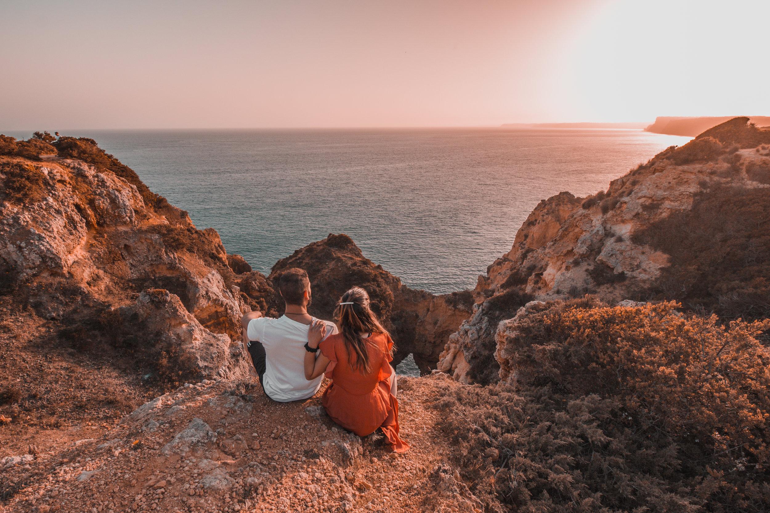 travel couple sunset ocean view photography best photos algarve portugal beach sea
