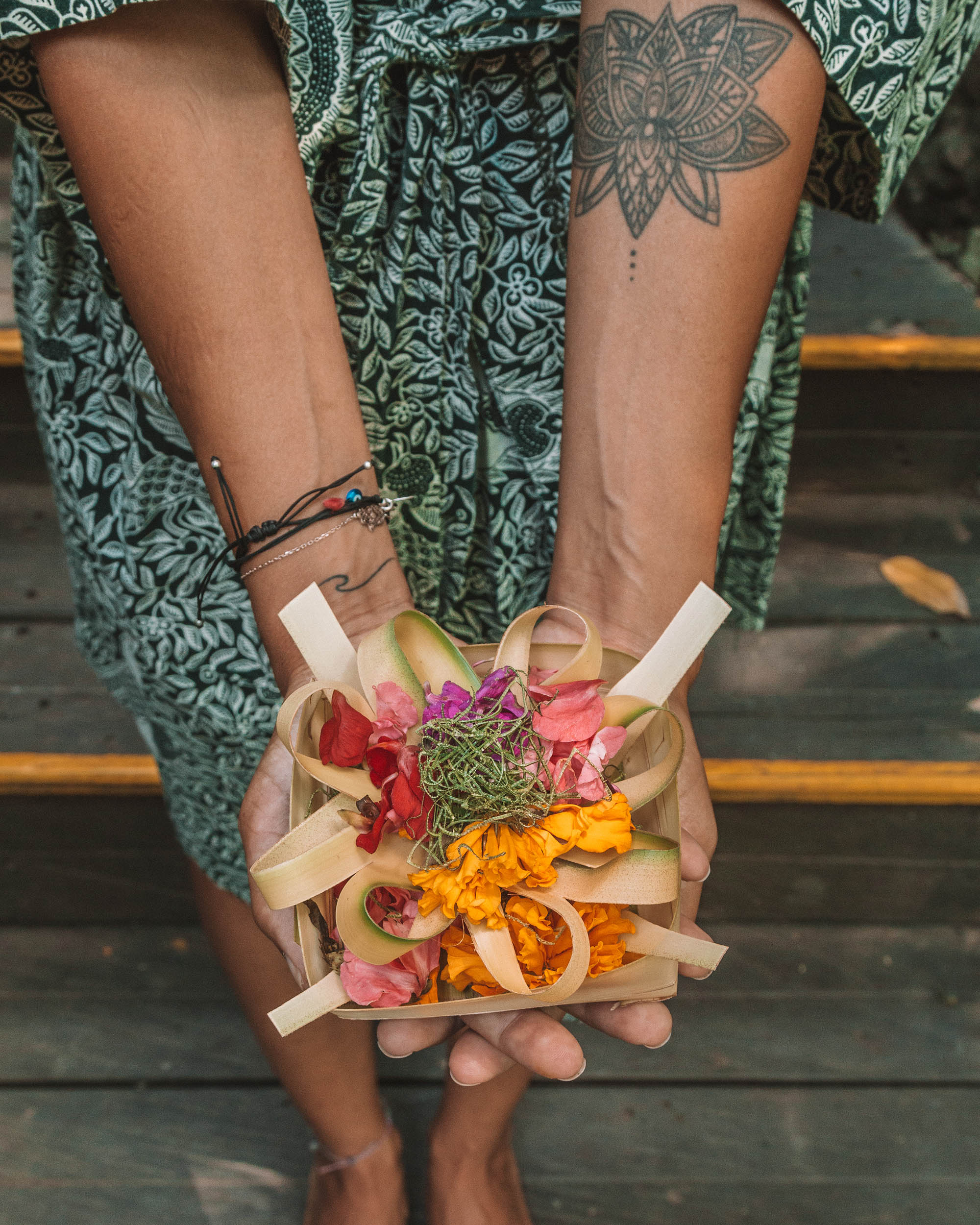 bali indonesia asia freeoversea hotels beautiful places flowers offerings photographs