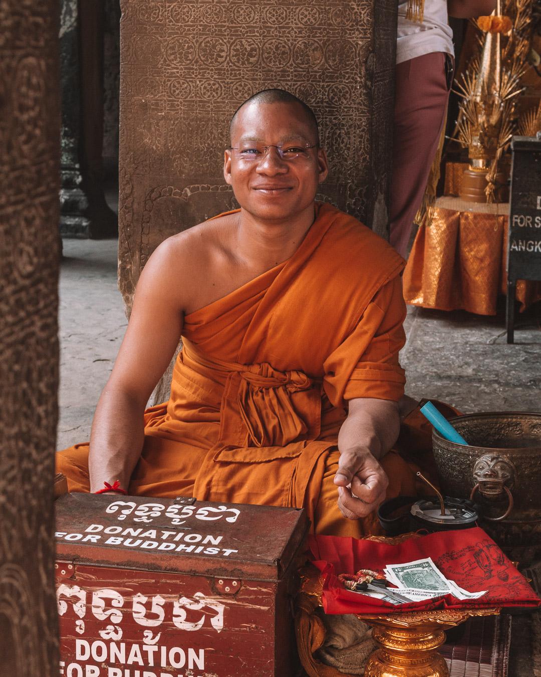 buddhist temples cambodia angkor wat