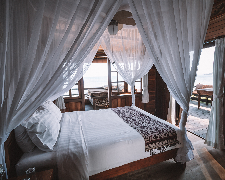 best hotel jasri bay bali beautiful bedroom ocean view