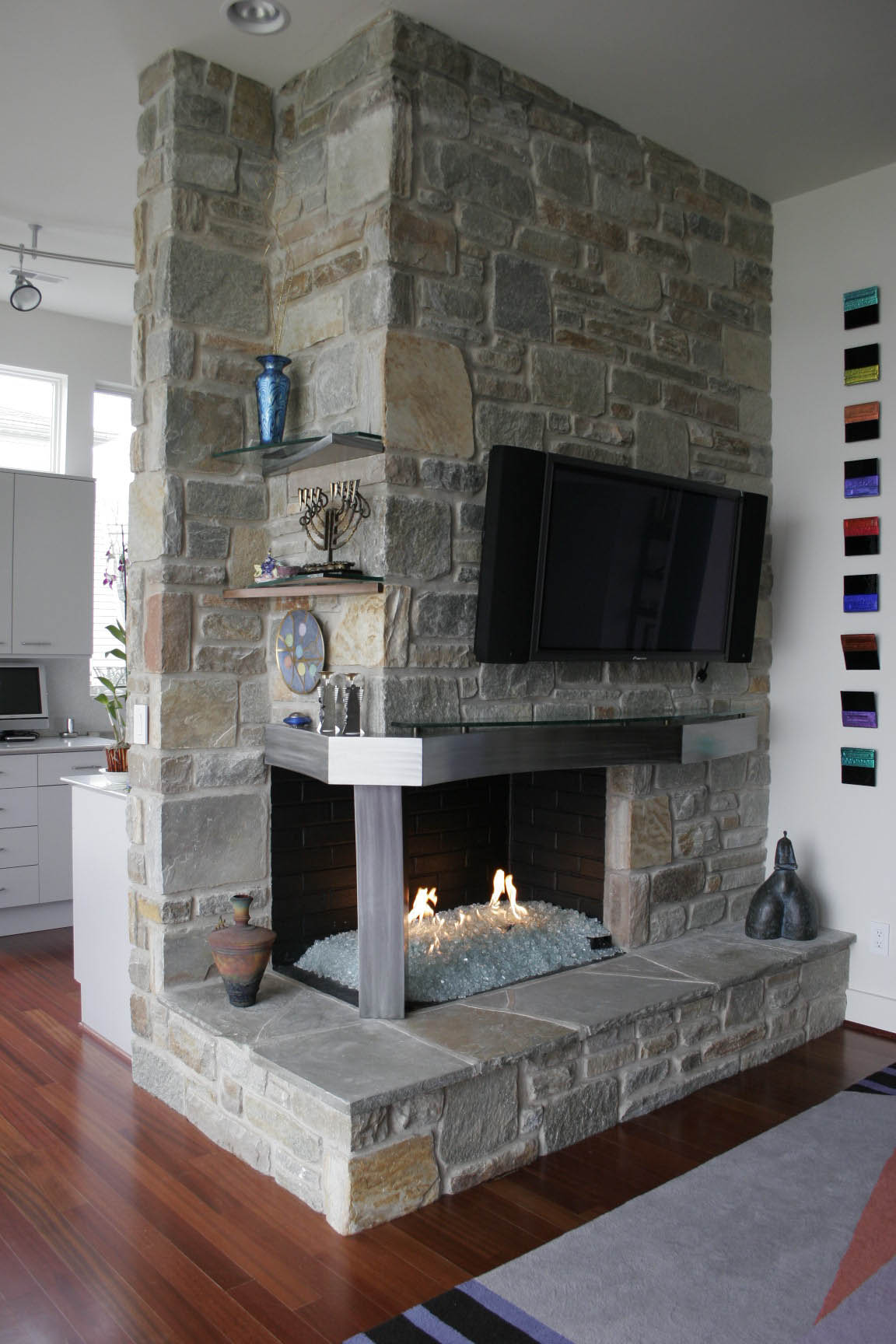Unique mantle and column on open gas fireplace