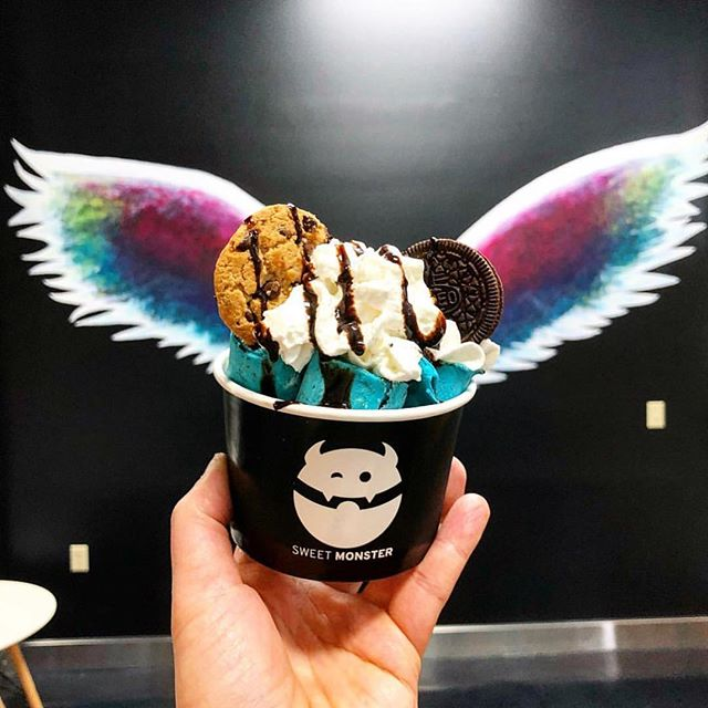 Ice cream with wings! There's a brand new ice cream shop that opened in March on Lima Road — featuring handcrafted, fresh rolled ice cream, honey boba milk tea, cereal and chocolate bar milkshakes. ~ 🍦@sweetmonstericecream ~ A wall with giant multi-colored wings means it's the perfect spot for a sweet photo op. #FortWayne #NewInTown (📸 by @sweetmonstericecream)
