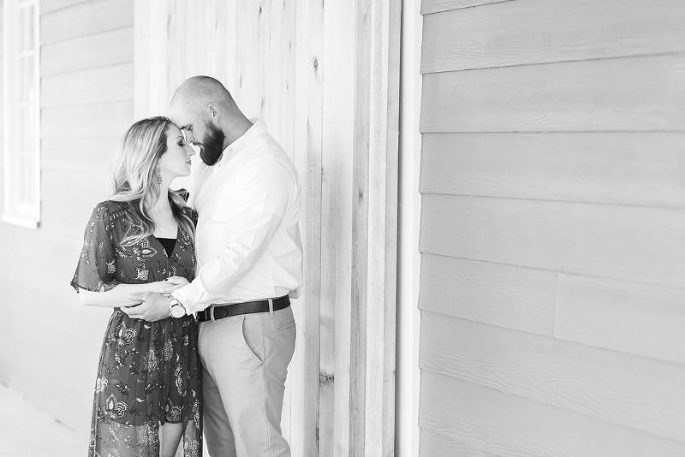 Sweet-South-Cottage-Engagement-Tallahassee-Florida_0003-800x534(pp_w685_h457).jpg