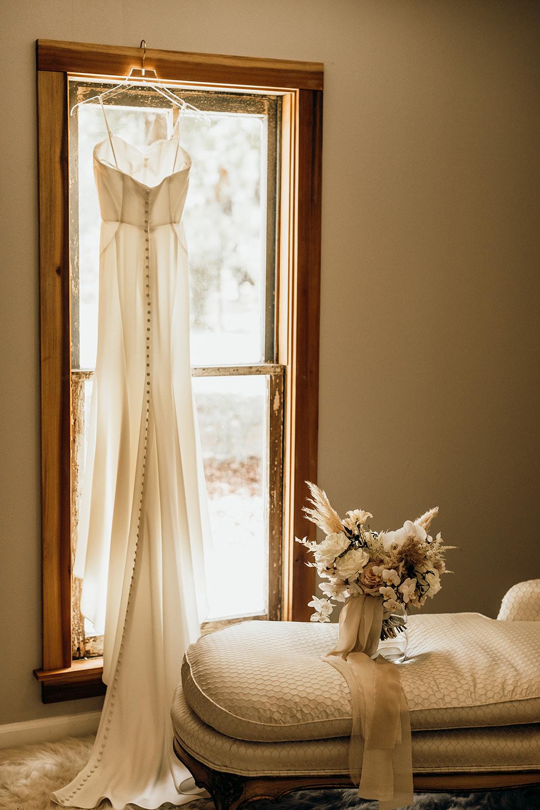 Casey-Josh-Pearl-In-The-Wild-Tallahassee-Wedding-7_websize.jpg