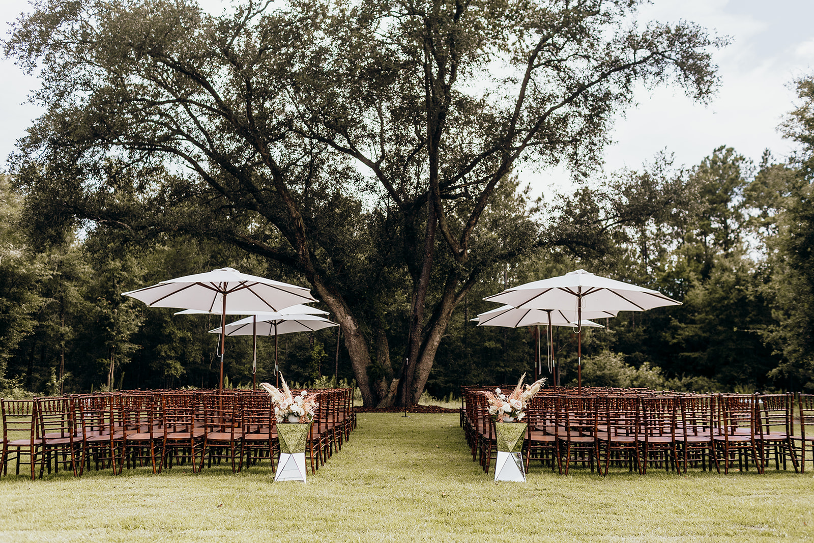Casey-Josh-Pearl-In-The-Wild-Tallahassee-Wedding-94_websize.jpg