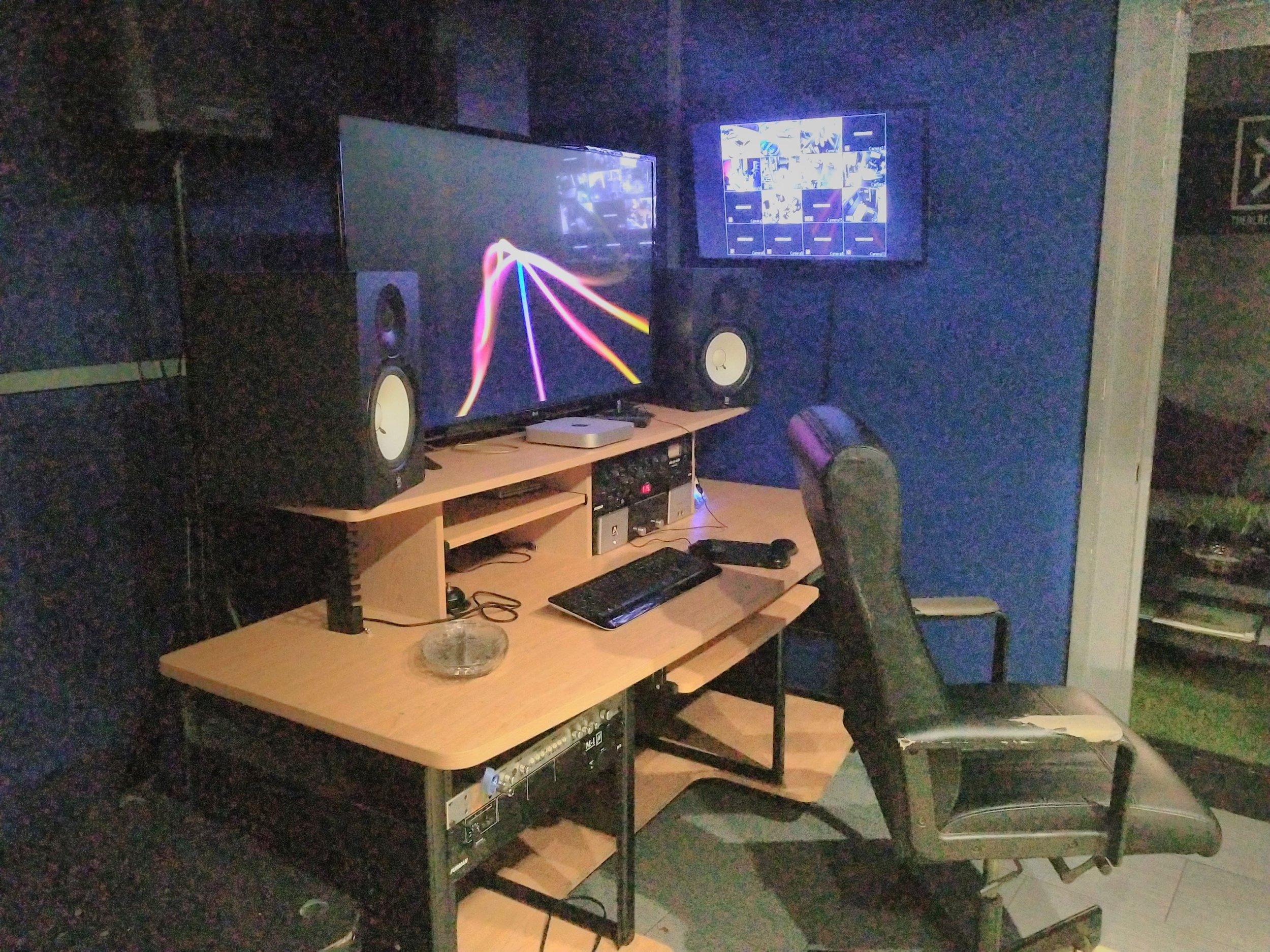 TEC studio.jpg