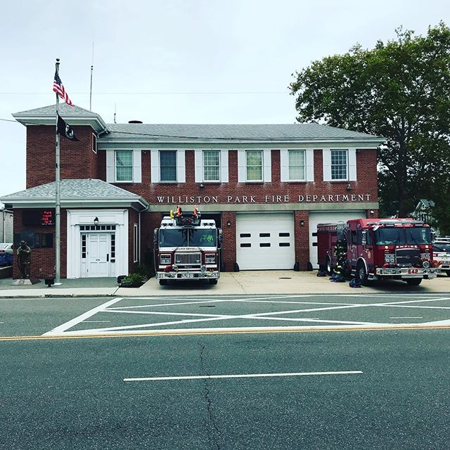Quint 598 standing by with Engine 642, Merrick Empire House Company 3, for Williston Park F.D.