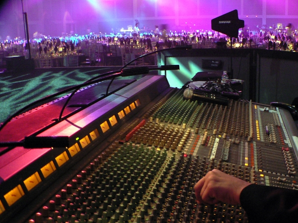 Multiple outputs allow your live sound engineer flexibility in creating your ideal mix.