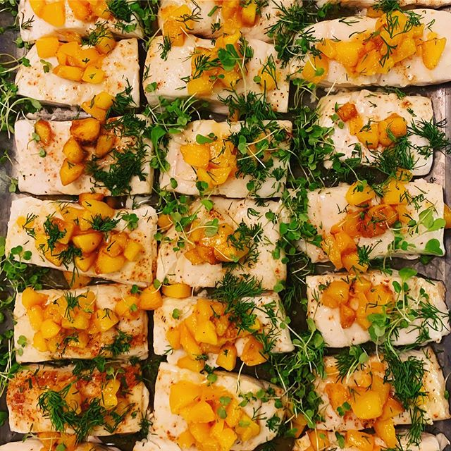 Fishing for Compliments: his Halibut, Oven Roasted with Dill and Peaches 🐠🍑#husbandswhocook #summerhighlights2019 #augustnostalgia #instaoritdidnthappen