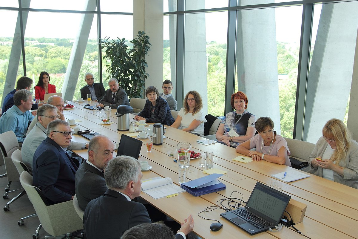 10 scientists from the University of Latvia presented their projects and project teams to EC representatives. © Photo: Tom Grinberger, Department of Communications and Innovation at the University of Latvia.