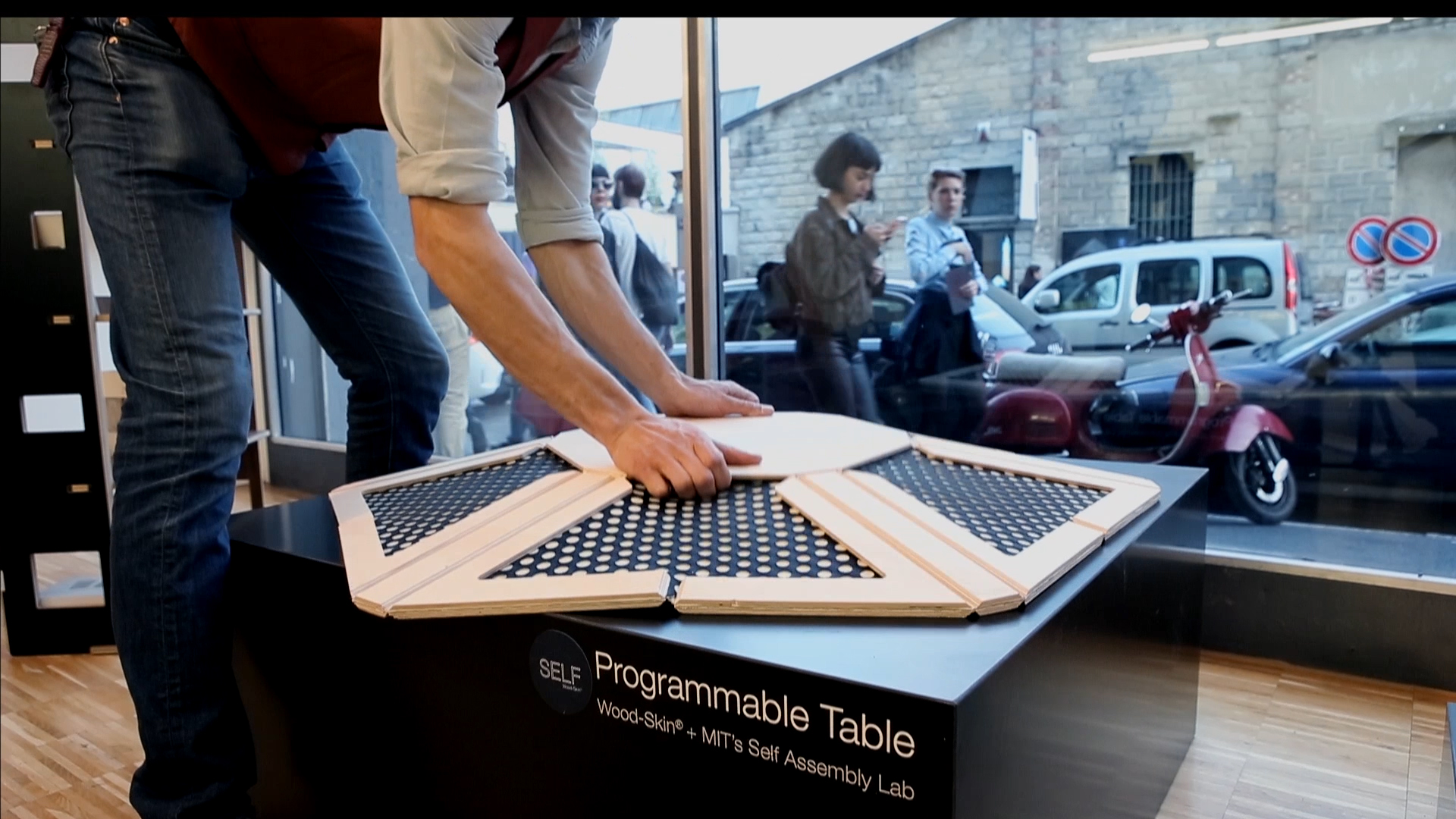 Programmable Table
