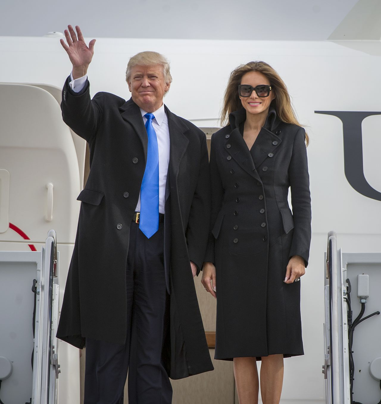 trump melania red for the blue