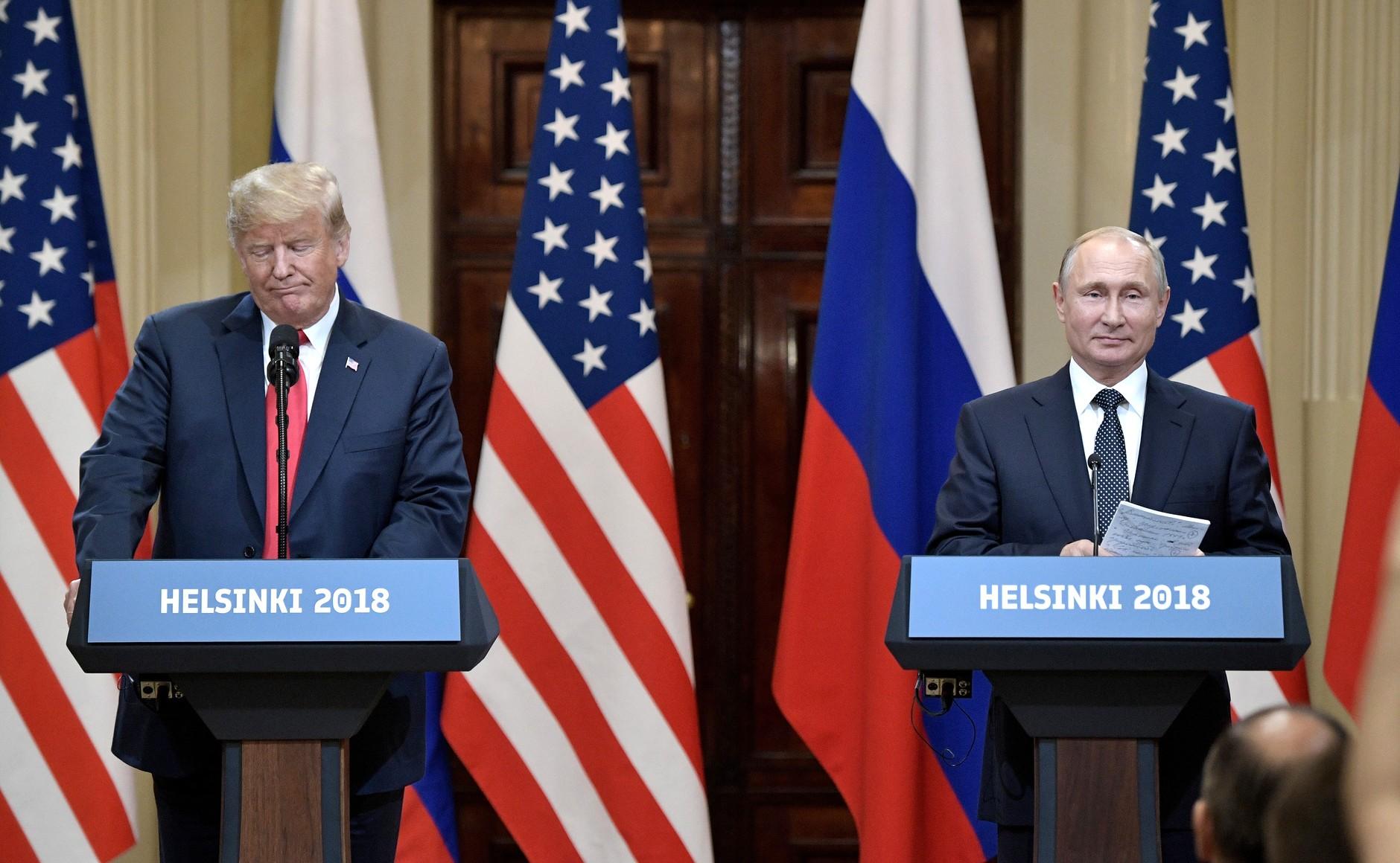 Vladimir_Putin_&_Donald_Trump_in_Helsinki,_16_July_2018_(8).jpg