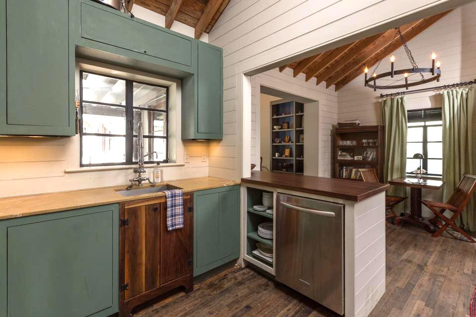 Sutherland_Kitchen.jpg