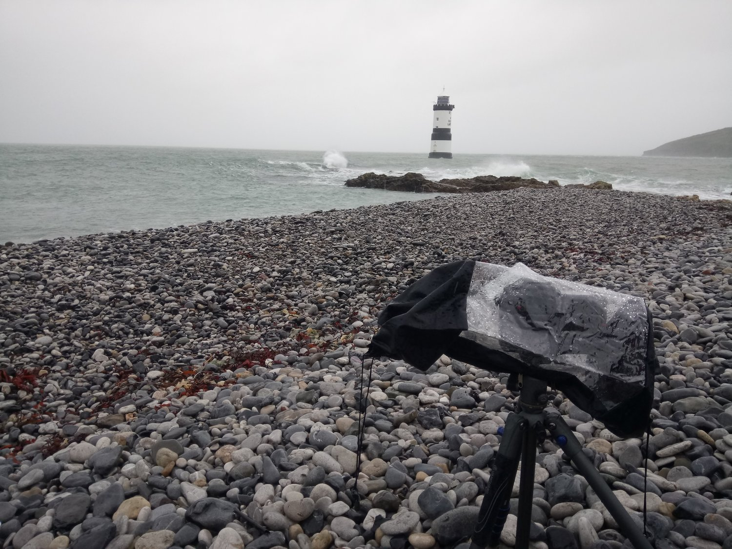 Vanguard Veo 2 235AB - I take the Vanguard Photo Veo 2 235ab travel tripod with me to North Wales for a week during SnowdoniaTogFest2017 and put the small but mighty travel tripod to breaking point with heavy rain and 60mph plus winds as Storm Brian hits Snowdonia.