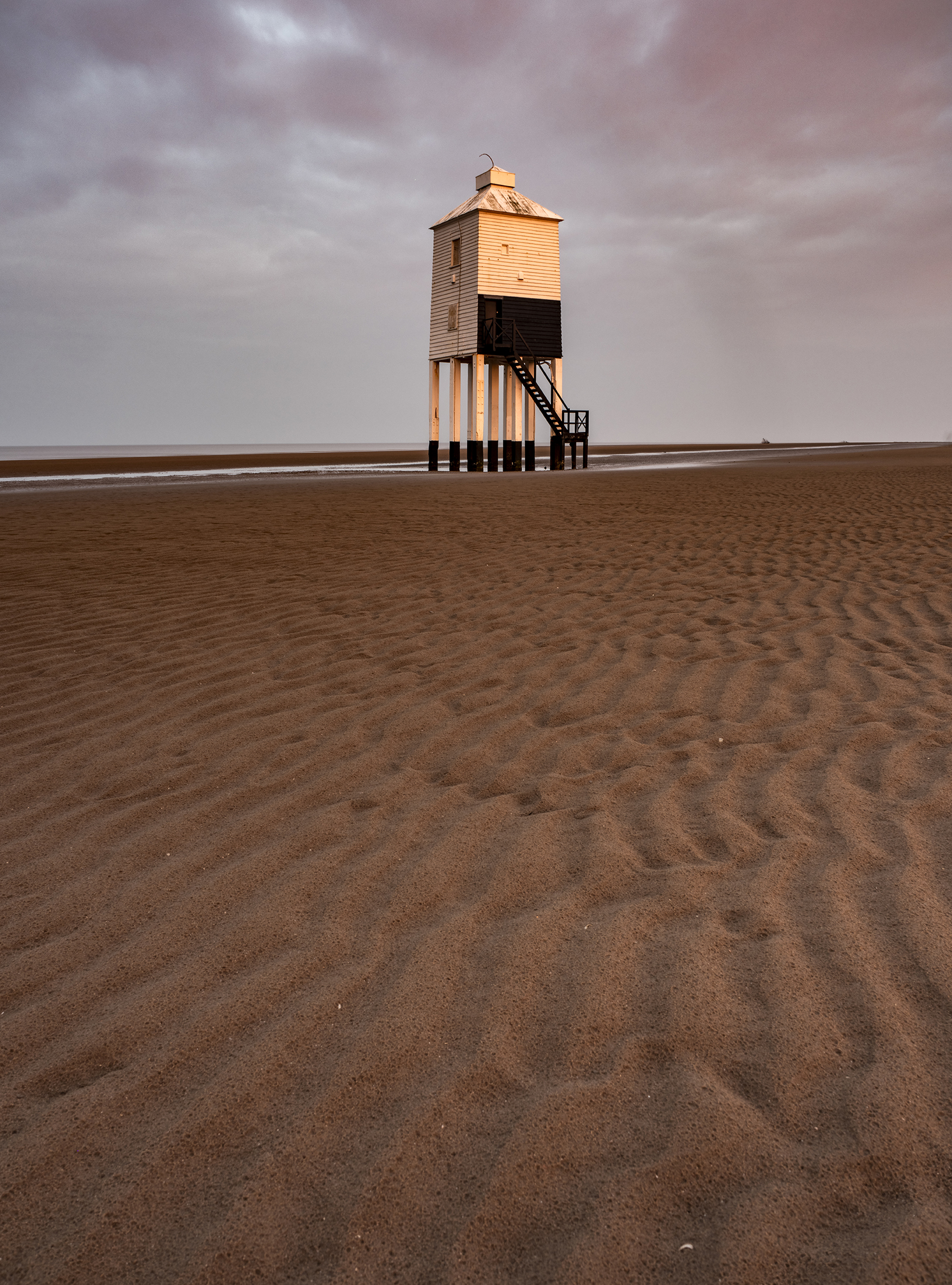 Burnham-on-sea low lighthouse at sunrise
