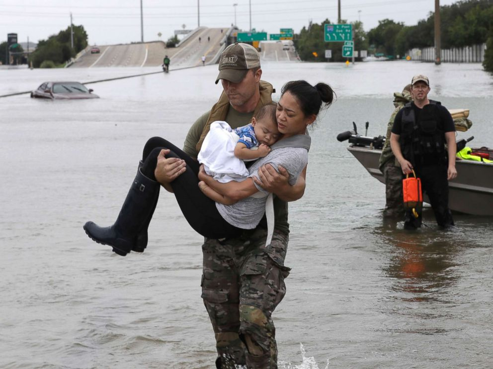 hurricane-harvey-rescue-3-ap-jt-170827_4x3_992.jpg