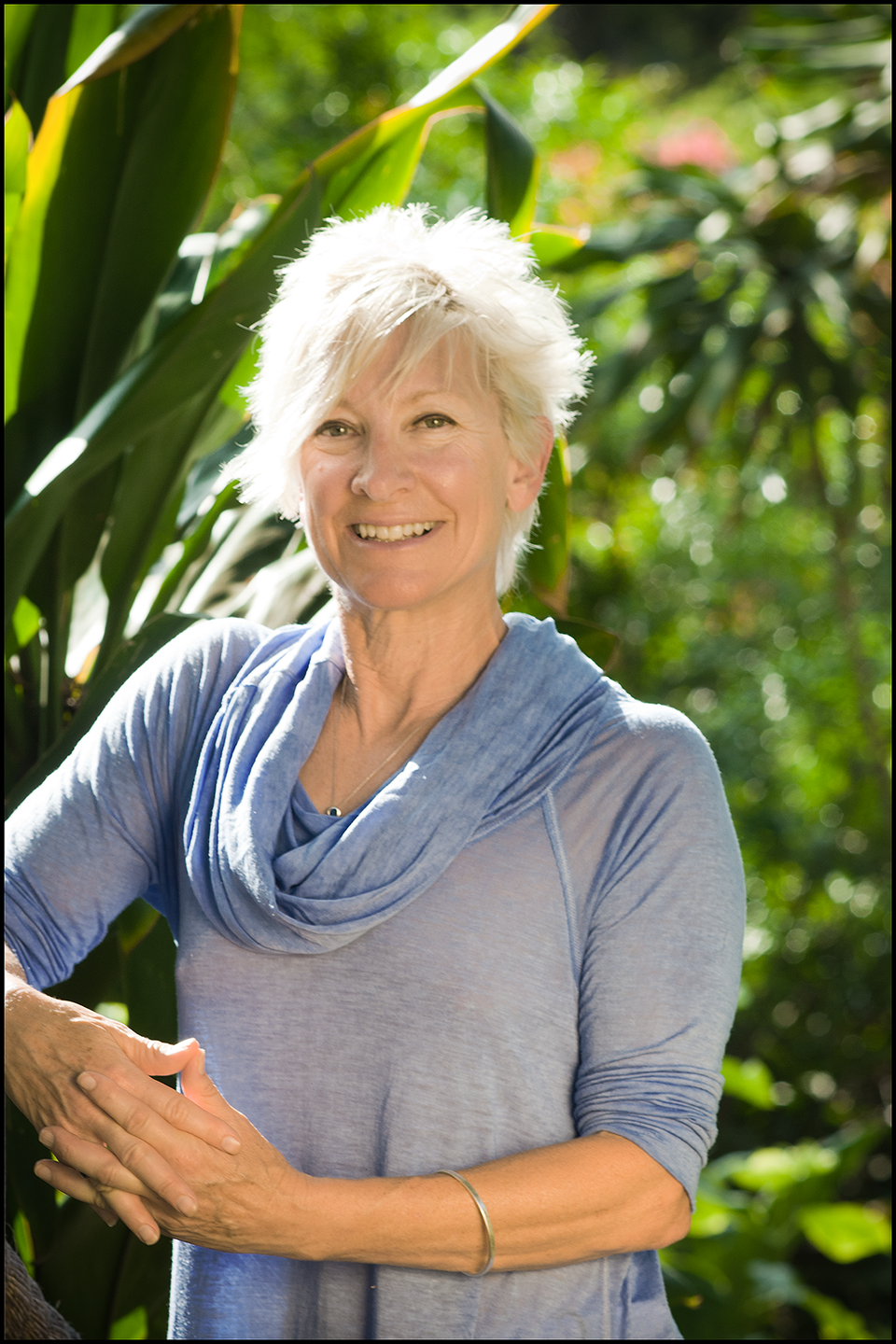 Dori Frame, owner of Bright Blue Moment, is a life-coach in Honolulu Hawaii.
