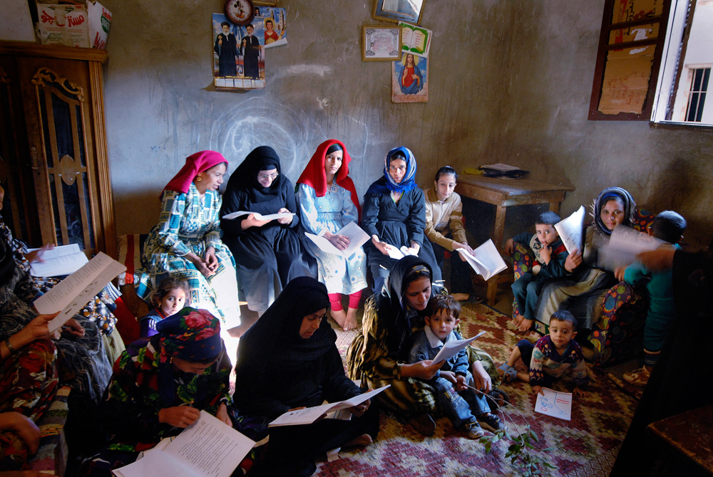 001_Egypt_Deir_Al_Barsha_Literacy_Class_byClaudiaWiens-2.jpg
